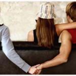 LINEの浮気や不倫問題が後を絶たない…離婚したら慰謝料もらえる?